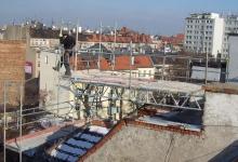 rusztowania na dachu